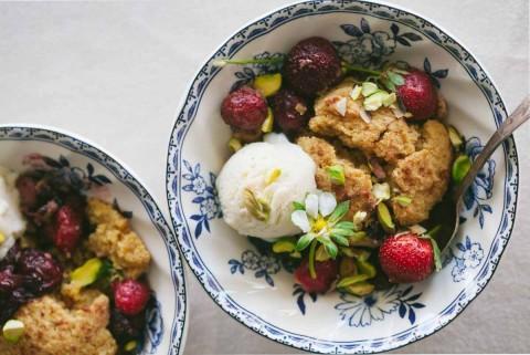 Gluten-Free-Strawberry-Cobbler