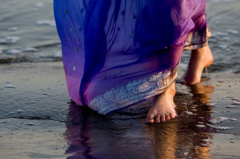 walking-on-beach-in-india-picture-id152540263