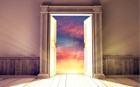 empty-room-with-opened-door-3d-rendering-picture-id670866356