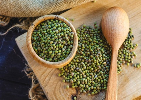 groats-mung-beans-picture-id940672844