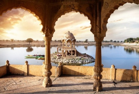 temple-on-the-water-in-india-picture-id489477538
