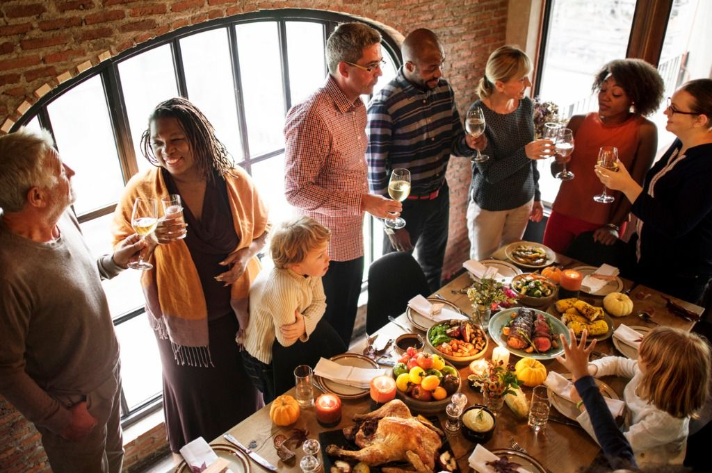 people-are-celebrating-thanksgiving-day-picture-id869573804