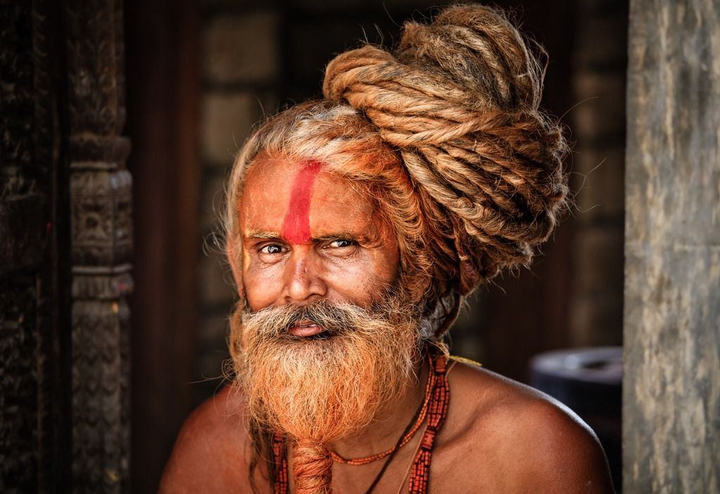 sadhu-holy-man-with-dreads-picture-id167313838