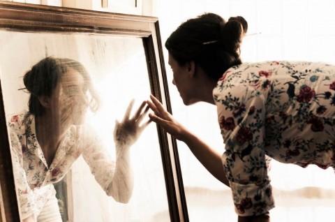 portrait-artists-studio-picture-id482676276