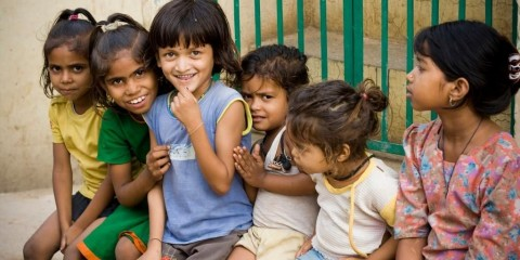 group-of-cheerful-indian-rural-girls-picture-id117003112