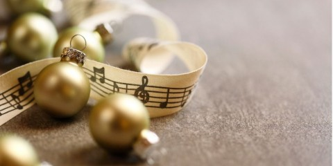 christmas-music-picture-id1065626360