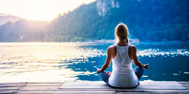 meditation-by-the-lake-picture-id487173784
