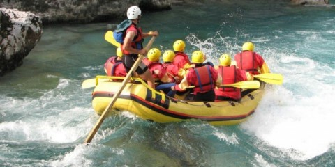 white-water-rafting-picture-id139894095