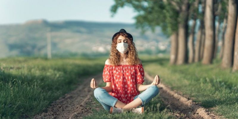 Pandemic Holidays Leaving You Lonely? Mindfulness Can Help.