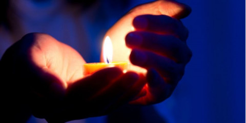 candle-light-picture-id469975953