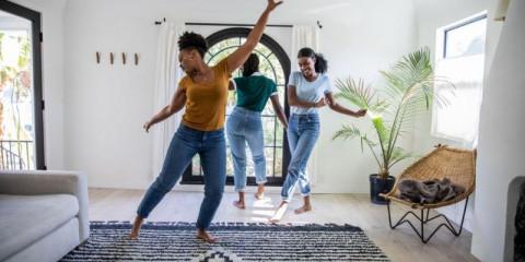women-friends-having-fun